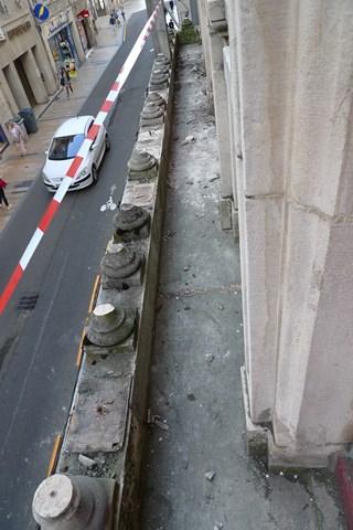 Balcon grande rue à Besançon